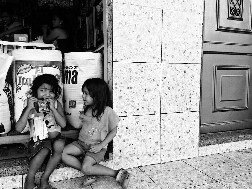 #blackandwhite #blancoynegro #bnw #streetphotography #calle #guayaquil #ecuador #latinoamerica