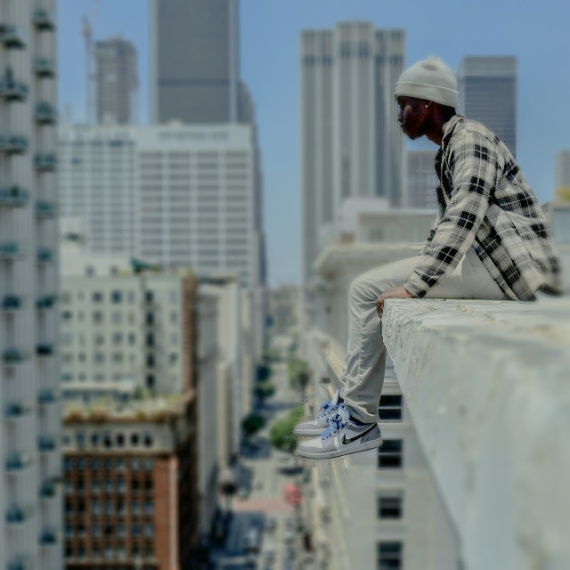 When you live on the edge life is but a simple memory. #yngkillers  #tfti_la  #heatercentral  #conquer_la  #streetcollectors  #streetdreamsmag  #visualauthority  #uglagrammers  #tonesandgrit  #facelessminds #exploreevrything #canvasofcali  #visualthriller #urbanaisle  #urbangathering  #urbanandstreet  #exploring #Playfulminds #FreeToEdit