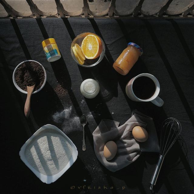 Let's make #pancakes  #coffee #beautiful #onmyblacktable #mycoffee_diary #flatlay #breakfast #darktone #softtone #food #foodphotography #onthetable #sony #photography