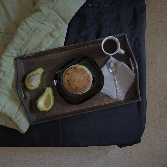 #onthebed #project  #coffee #beautiful #onmyblacktable #mycoffee_diary #flatlay #breakfast #darktone #softtone #food #foodphotography #onthetable #sony #photography