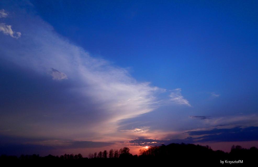 #suwalszczyzna #mojeklimaty #sunset #zachódsłońca #naturephotography #landscape #sky #niebo #clouds #chmury #aurora #zorza #nature #landscape #polishphotography