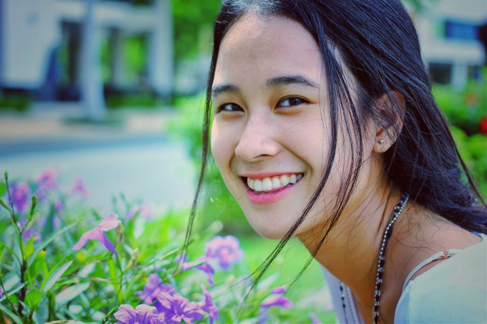 #vietnamese #vietnam #vietnamesegirl  #beautiful #interesting  #friend #purple #flower #white #blackhair #FreeToEdit