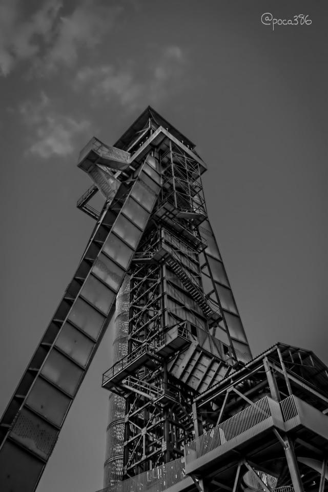 Happy Sunday.. 🌝🌝 #blackandwhite #photography #architecture #genk #Cmine #belgium