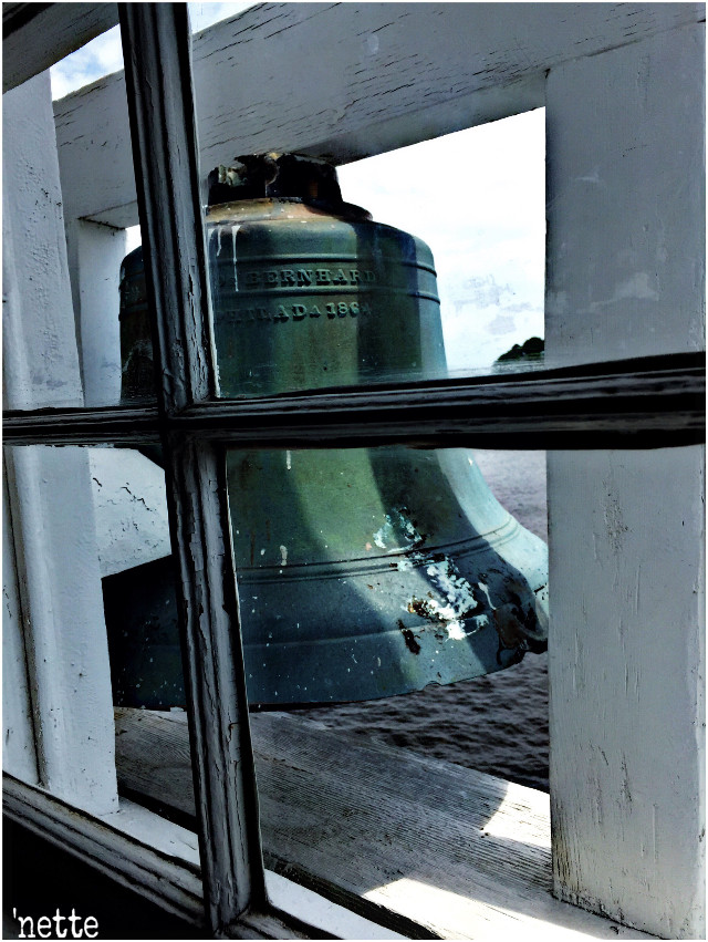 #industrialmetal #nettesdailyinspiration #lighthouse #bell #lookingthrough #milesriver #myoriginalmyedit